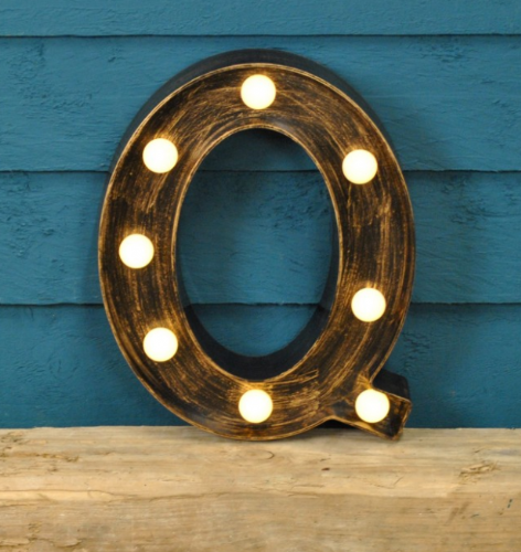 Letter Q- Battery Operated Lumiere